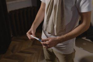 ¿Cuál es la diferencia entre una prueba de embarazo de sangre y orina?